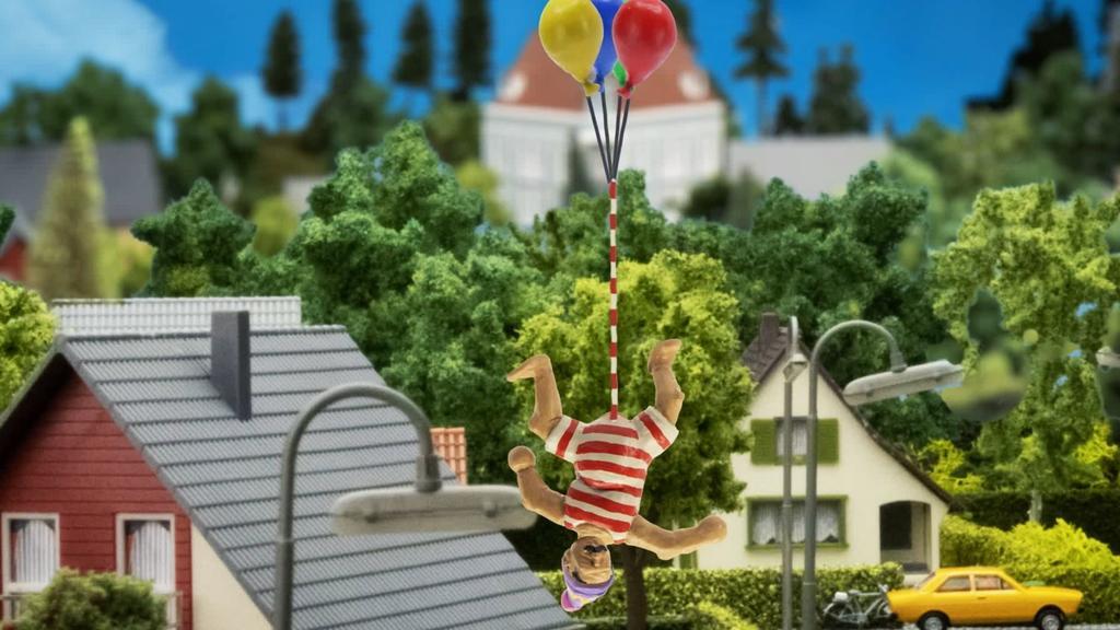 """""""John Dillermand"""" bindet seinen größten Penis der Welt an Luftballons und fliegt über die Stadt"""