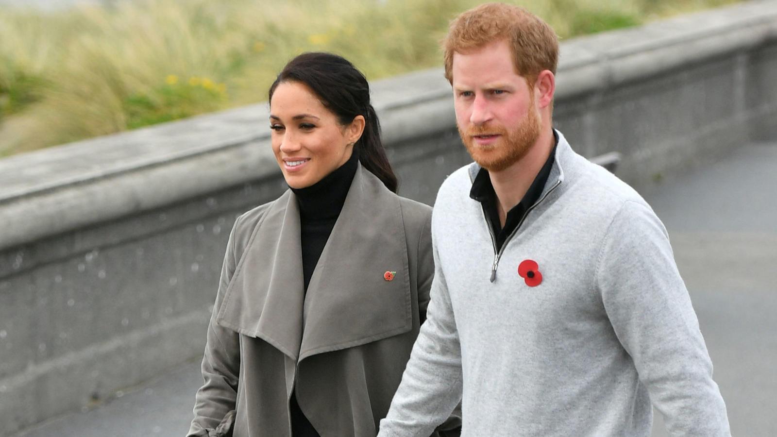 Es ist ein Jahr her, dass Herzogin Meghan und Prinz Harry dem britischen Königshaus den Rücken zugekehrt haben.