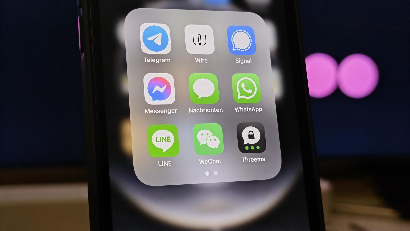 WhatsApp hat seine Datenschutzrichtlinien erneuert. Viele Nutzer suchen nun nach einer Messenger-Alternative.
