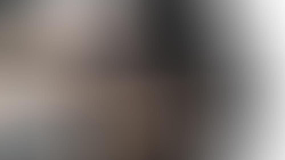 Schwarze Wäsche bleicht beim Waschen oft aus.