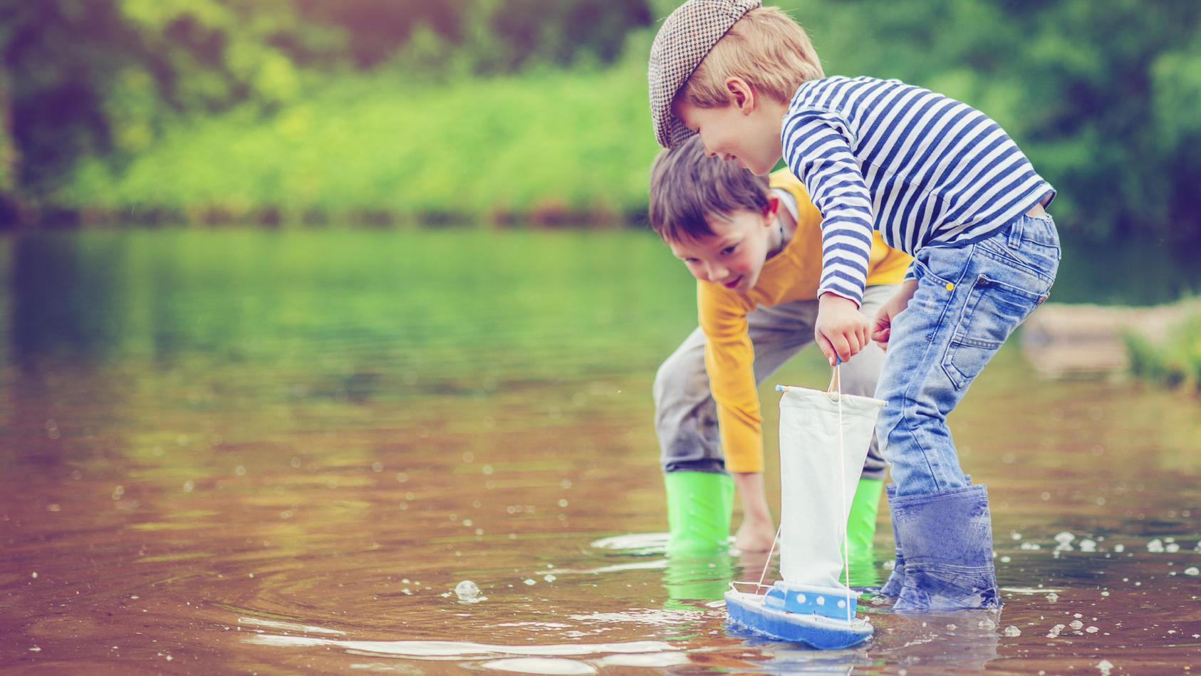 Ab wann können Kinder auch ohne Aufsicht alleine draußen spielen?
