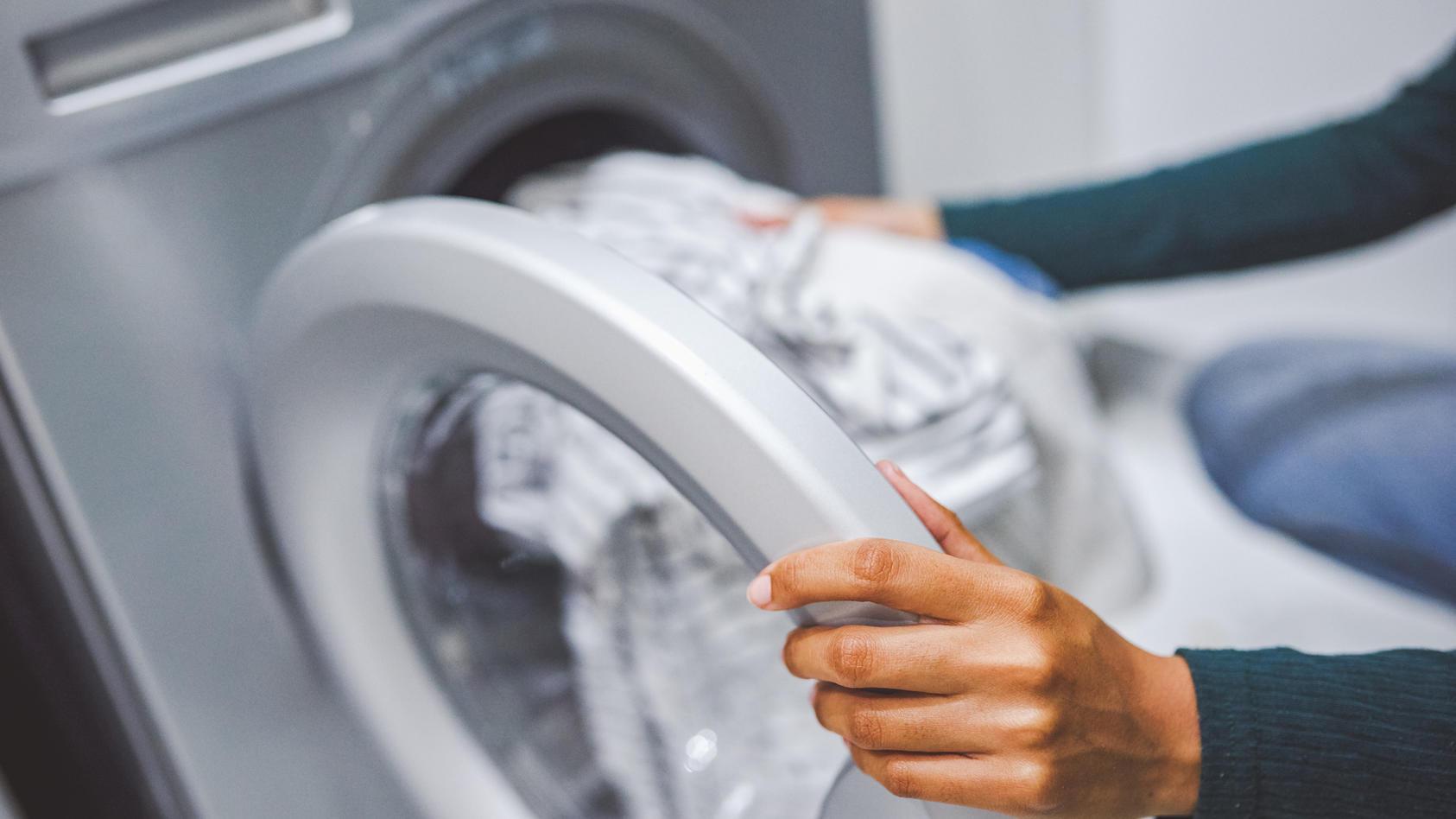 Darum sollten Sie Ihre Wäsche vor dem Waschen wiegen, wenn Sie empfindliche Haut haben.