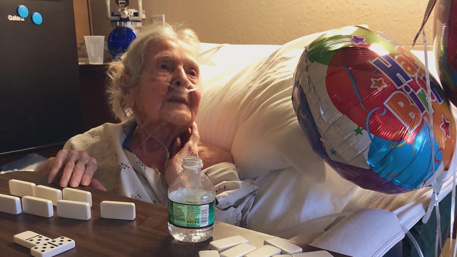 Sie überlebte eine Corona-Infektion und feierte jetzt ihren 101. Geburtstag