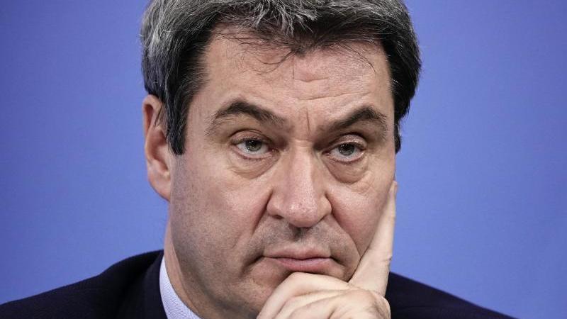 Markus Söder (CSU), Ministerpräsident von Bayern und CSU-Vorsitzender, vor der Presse. Foto: Michael Kappeler/dpa-pool/dpa