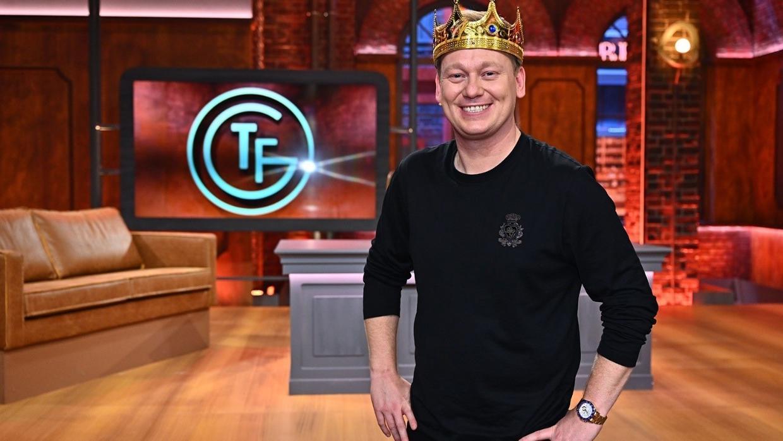 """Knossi ist der neue Late-Night-Host bei """"Täglich frisch geröstet"""""""