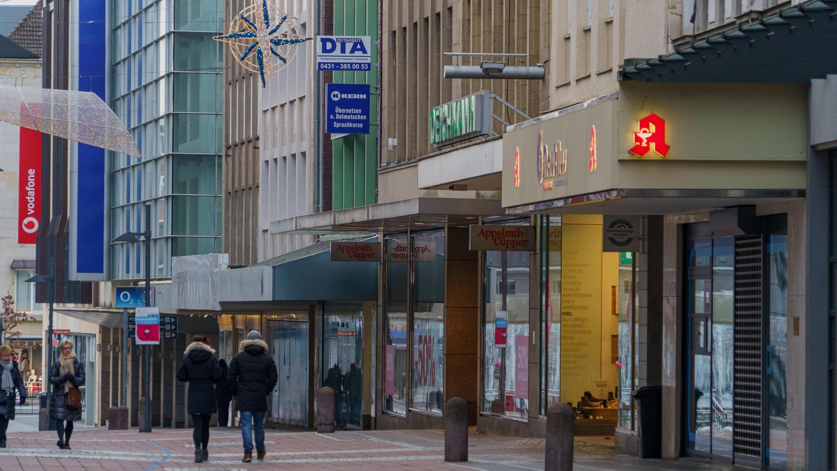 Drohen auch nach Corona weiter leere Innenstädte? Neben den kleinen Einzelhändlern stehen auch viele große Ketten vor dem Aus.
