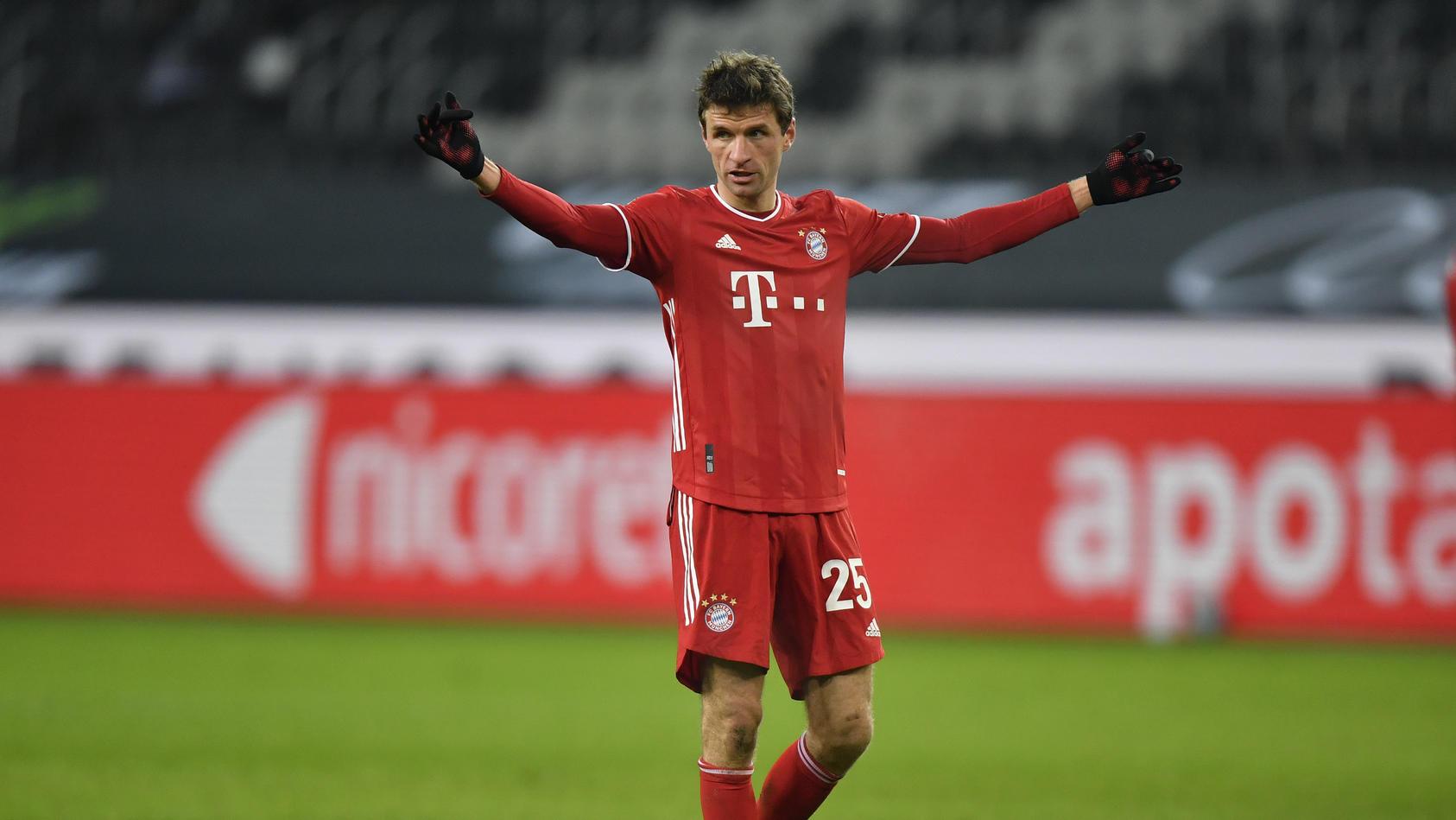 Thomas Müller mit dem regulären Trikot der Bayern