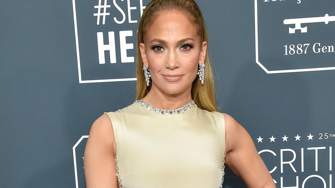 Jennifer Lopez zeigt, wie sexy ihr Körper ist