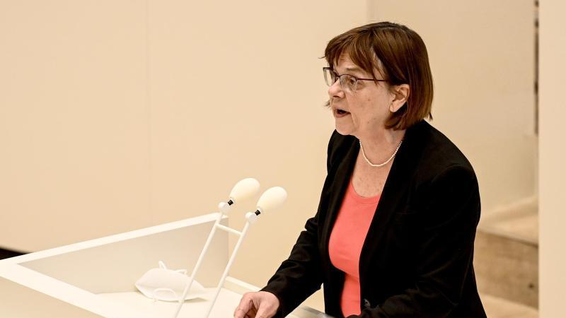 Ursula Nonnemacher (Bündnis 90/Die Grünen), Ministerin für Verbraucherschutz, spricht. Foto: Britta Pedersen/dpa-Zentralbild/dpa