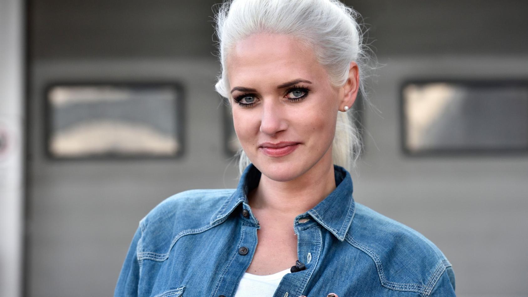 Sarah Knappik genießt ihre Rolle als Mama.