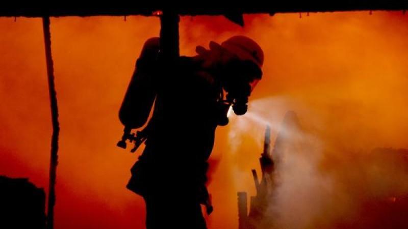 Löscharbeiten - Feuerwehr