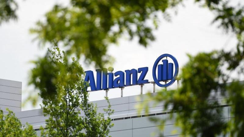 """Der Versicherungskonzern """"Allianz will seine Kundenmilliarden bis 2025 klimafreundlicher anlegen. Foto: Andreas Gebert/dpa"""