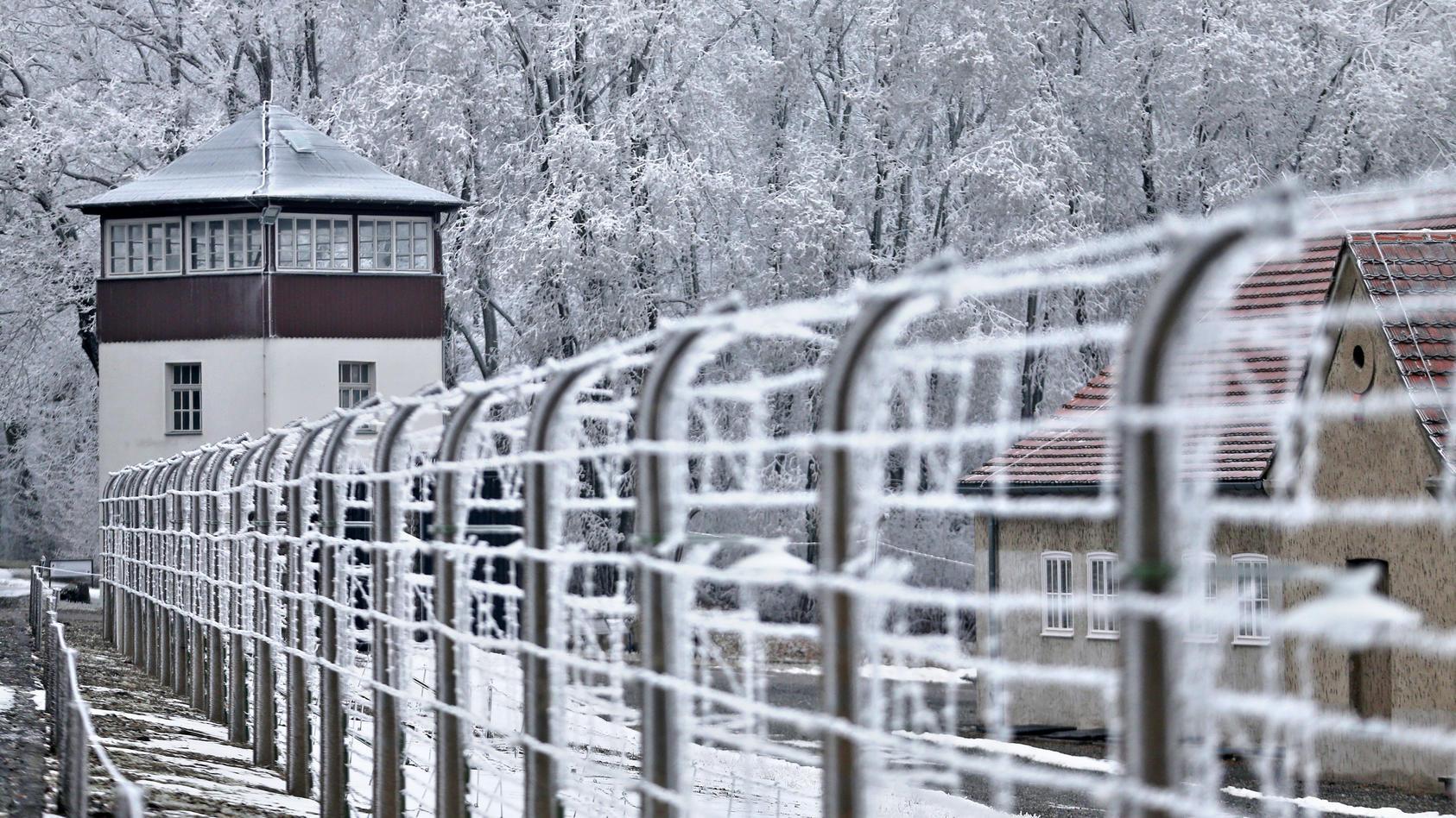 Auch an der Gedenkstätte Buchenwald in Thüringen ist viel Schnee gefallen. Kein Grund, sich dort respektlos zu verhalten. (Archivbild von 2017)