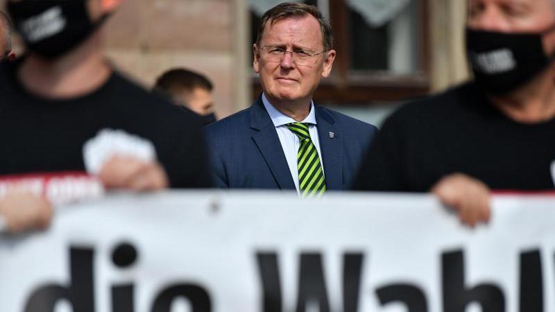 Bodo Ramelow (Die Linke), Ministerpräsident von Thüringen. Angesichts hoher Corona-Infektionszahlen wird die Neuwahl des Thüringer Landtages verschoben. Foto: Martin Schutt/dpa-Zentralbild/dpa