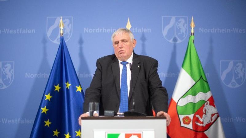 Karl-Josef Laumann (CDU), Gesundheitsminister von Nordrhein-Westfalen. Foto: Federico Gambarini/dpa/Archivbild