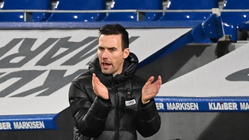 Der Karlsruher Trainer Christian Eichner. Foto: Uli Deck/dpa
