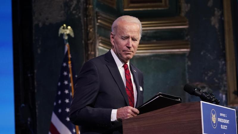 """""""Wir sind weiter in einem sehr dunklen Winter. Wir sind im Krieg mit diesem Virus"""", sagt Biden. Foto: Matt Slocum/AP/dpa"""