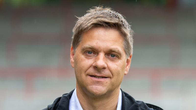 Geschäftsführer Sport Oliver Ruhnert. Foto: Andreas Gora/dpa