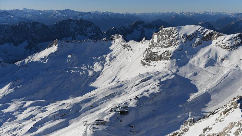 Blick auf das Gebirge an derZugspitze. Foto: Angelika Warmuth/dpa/Symbolbild