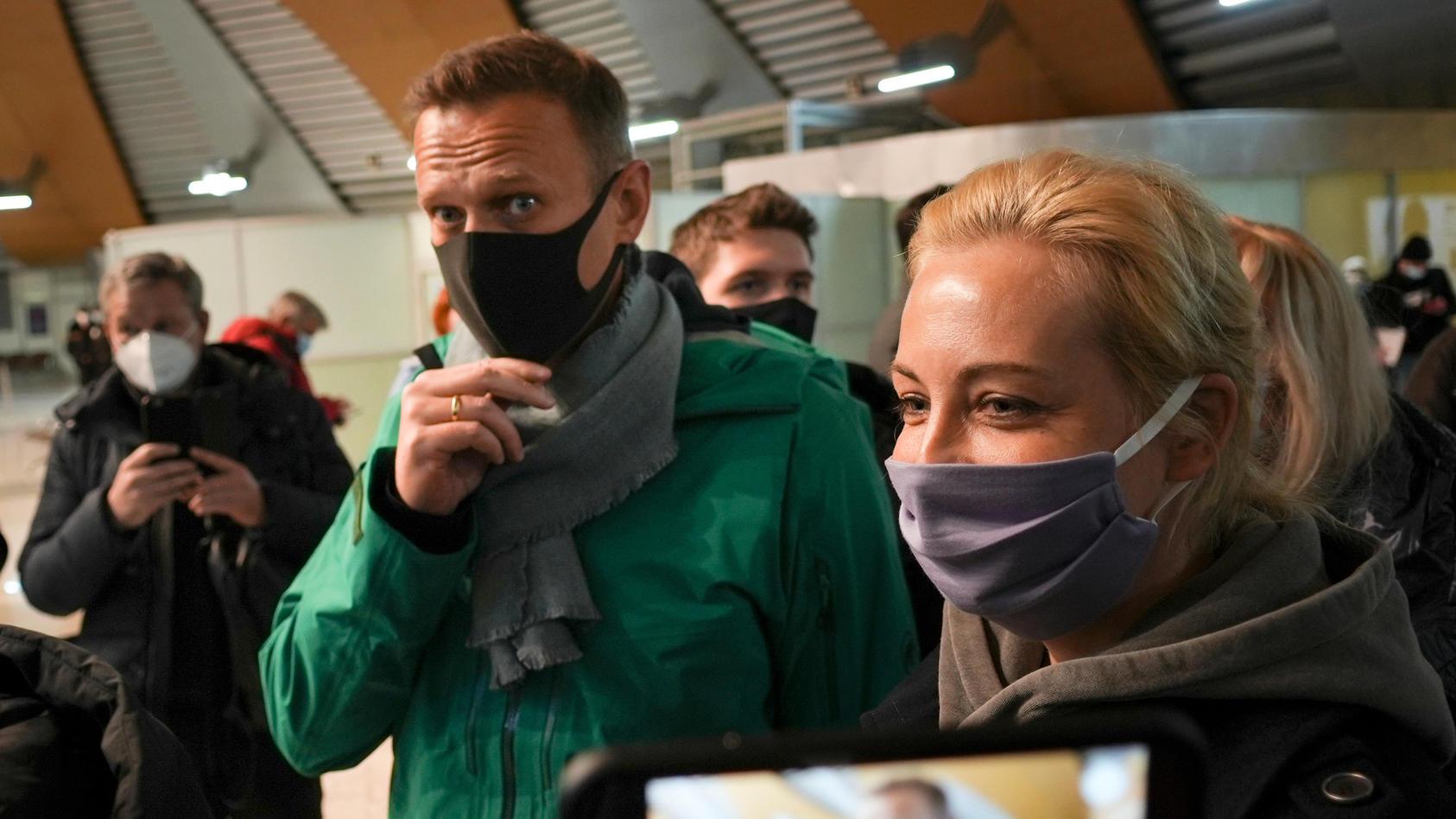 Kremlgegner Nawalny in Russland angekommen