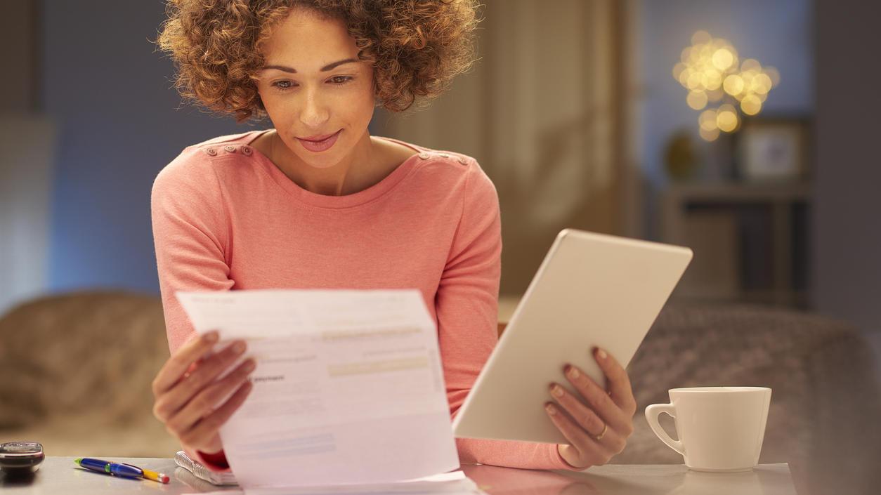 Bei der Suche nach einem Kredit müssen viele Angebote verglichen werden. Kreditvergleiche im Internet helfen.