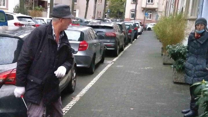 Mit diesem Foto fahndet die Frankfurter Polizei nun nach dem kriminellen Pärchen.