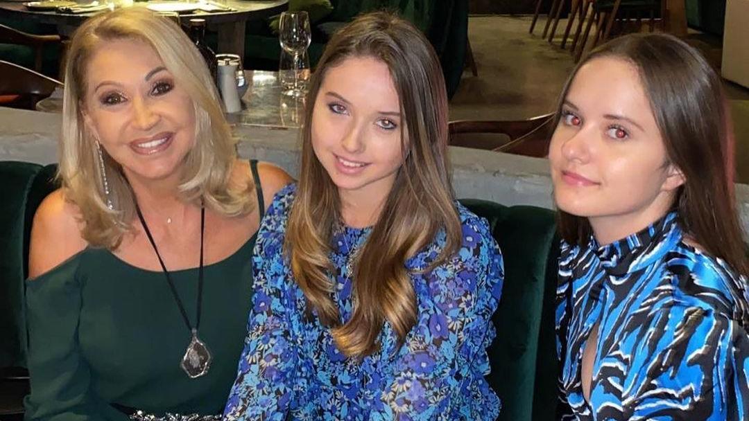 Carmen Geiss und ihre Töchter Shania und Davina.