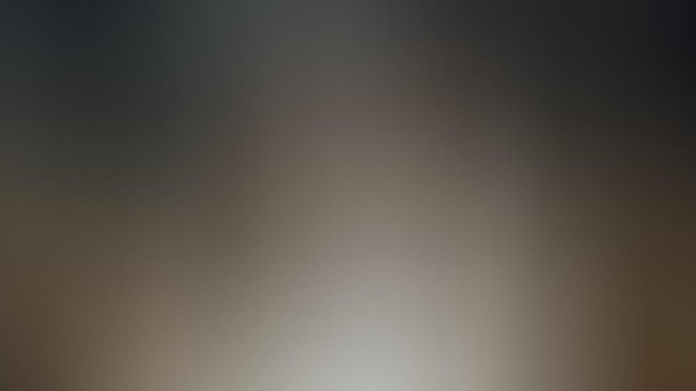 """Uwe Ochsenknecht (oben) als Gynäkologe Prof. Helmut Kraatz in der 3. Staffel der historischen Krankenhausserie """"Charité"""""""