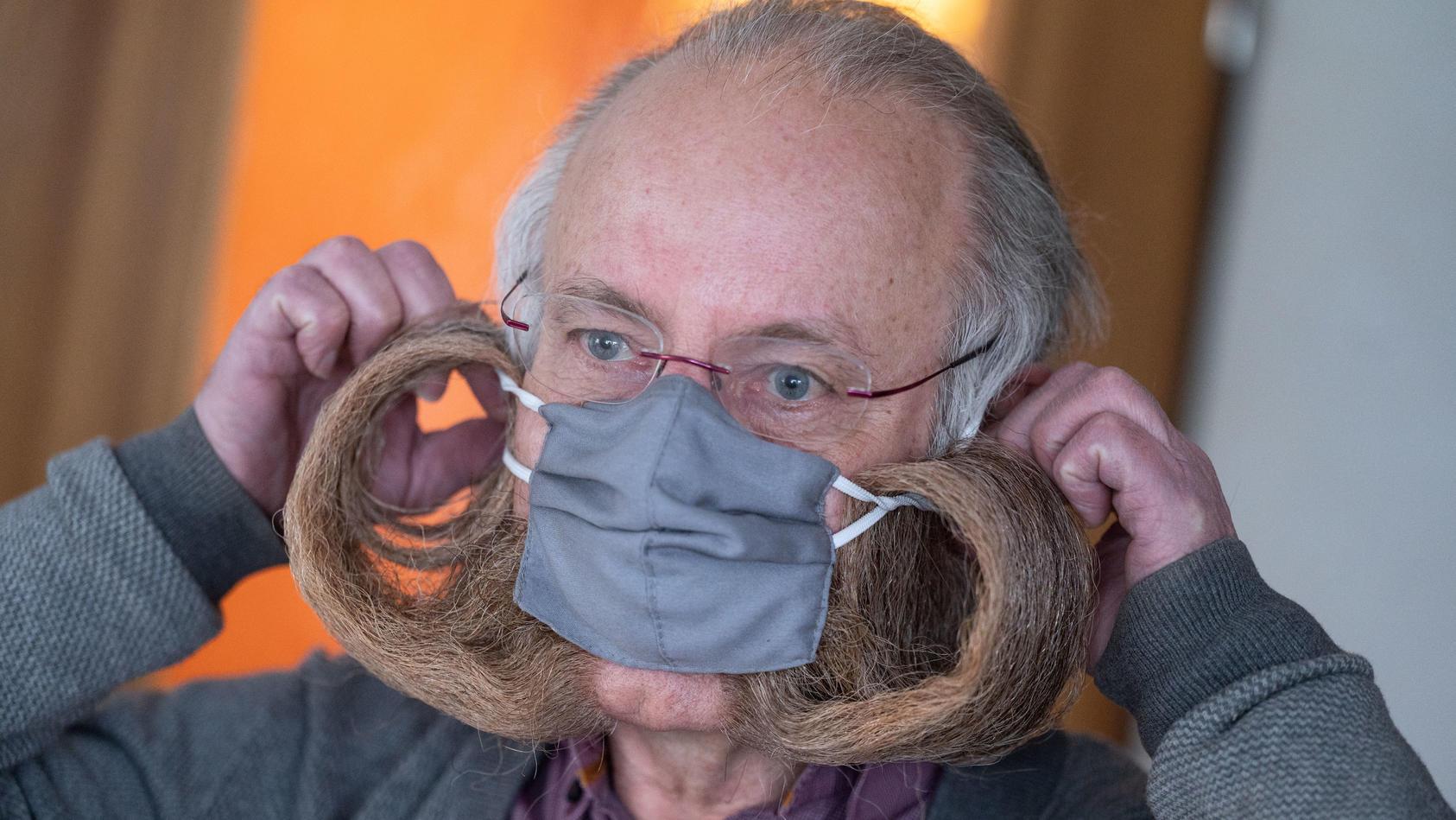 Bart-Weltmeister mit Schutzmaske