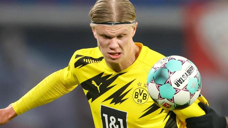 Dortmunds Spieler Erling Haaland am Ball. Foto: Jan Woitas/dpa-Zentralbild/dpa