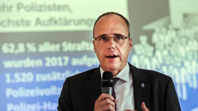 Peter Beuth (CDU), hessischer Innenminister. Foto: Andreas Arnold/dpa/Archivbild