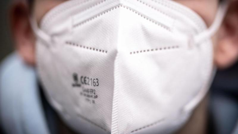 FFP2-Masken müssen dicht sitzen. Foto: Frank Rumpenhorst/dpa/dpa-tmn