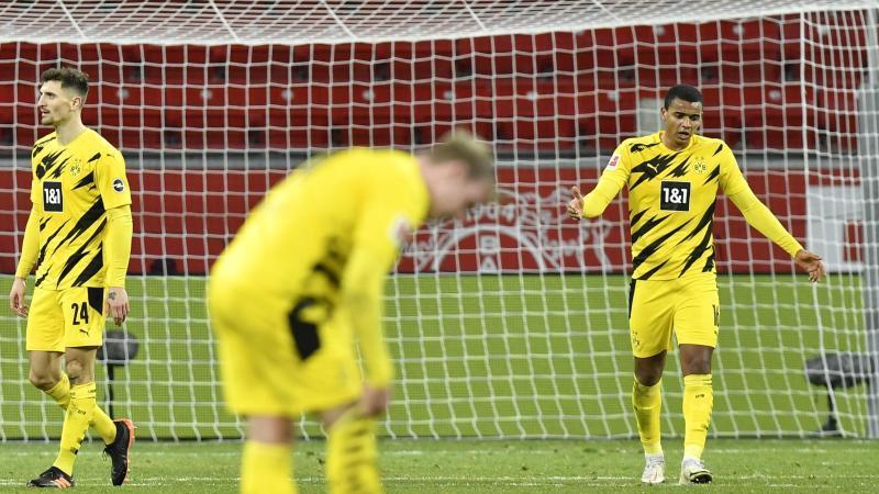 Nach der Niederlage in Leverkusen wächst die Kritik an den Profis von Borussia Dortmund. Foto: Martin Meissner/Pool AP/dpa