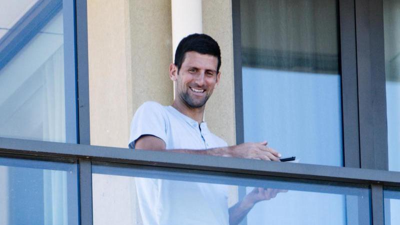 Darf seine Corona-Quarantäne in Adelaide statt in Melbourne verbringen: Novak Djokovic. Foto: Morgan Sette/AAP/dpa