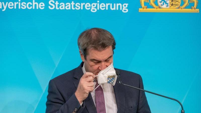 Markus Söder (CSU), Ministerpräsident von Bayern, nimmt nach der Sitzung des bayerischen Kabinetts an einer Pressekonferenz teil. Foto: Peter Kneffel/dpa