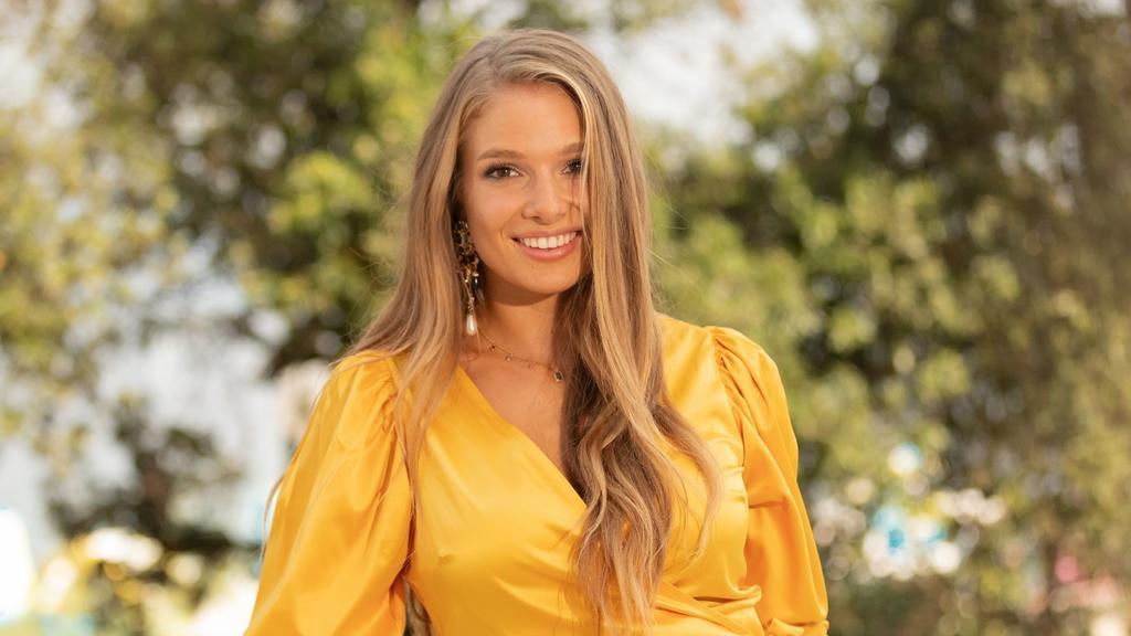 Lola Weippert (24) übernimmt ab sofort exklusiv mehrere Moderationen für Love Realitys von TVNOW und weitere TV-Produktionen der Mediengruppe RTL.Die Verwendung des sendungsbezogenen Materials ist nur mit dem Hinweis und Verlinkung auf TVNOW gestatte