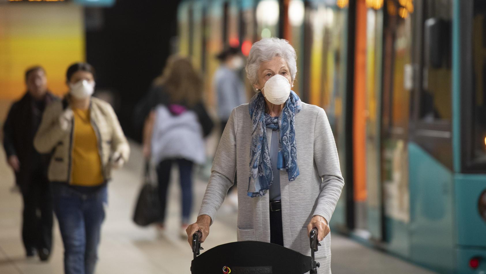 Medizinische Masken werden ab dem 23. Januar Pflicht im ÖPNV.