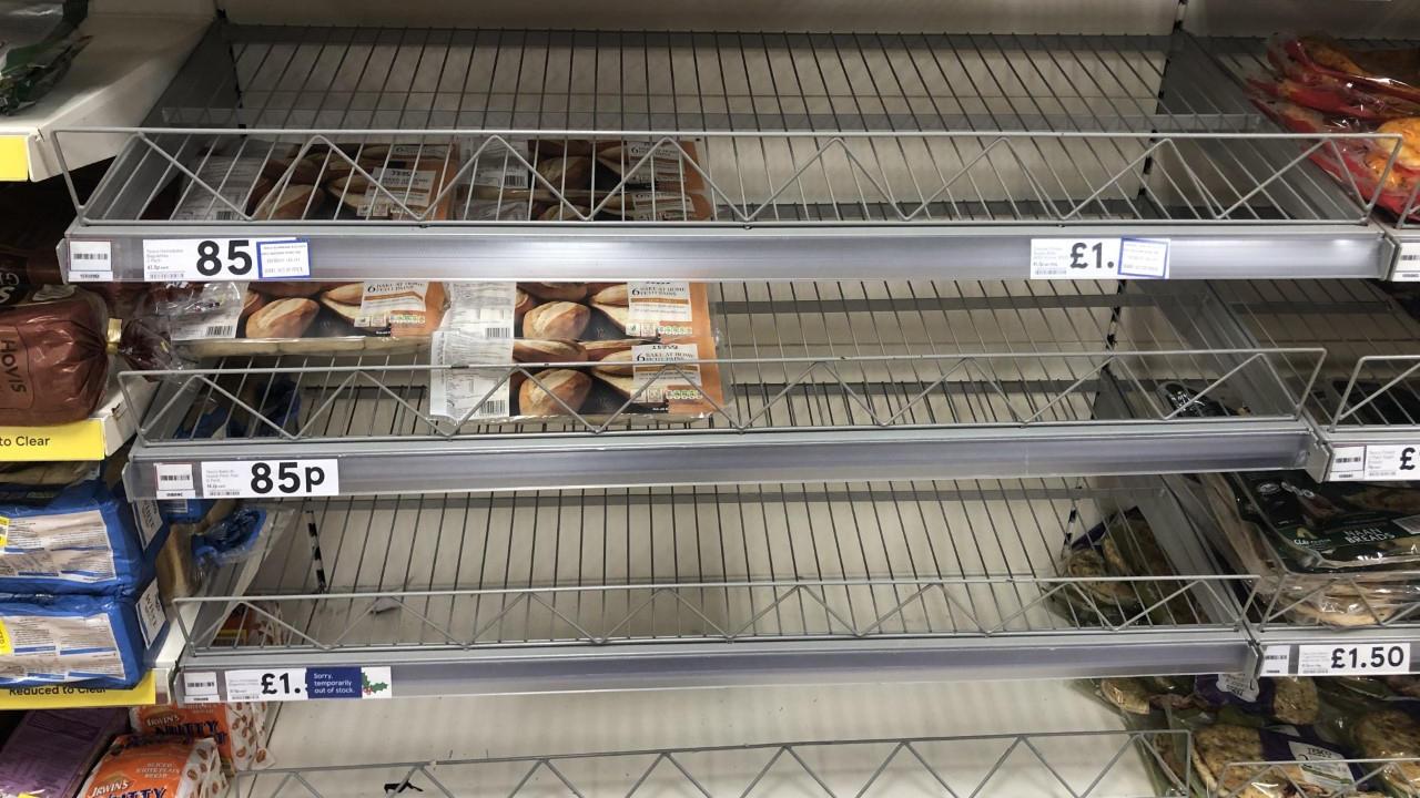 Nordirland: Leere Supermarktregale wegen Brexit