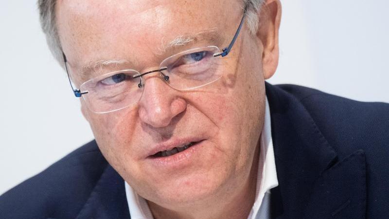 Stephan Weil (SPD), Ministerpräsident von Niedersachsen. Foto: Julian Stratenschulte/dpa
