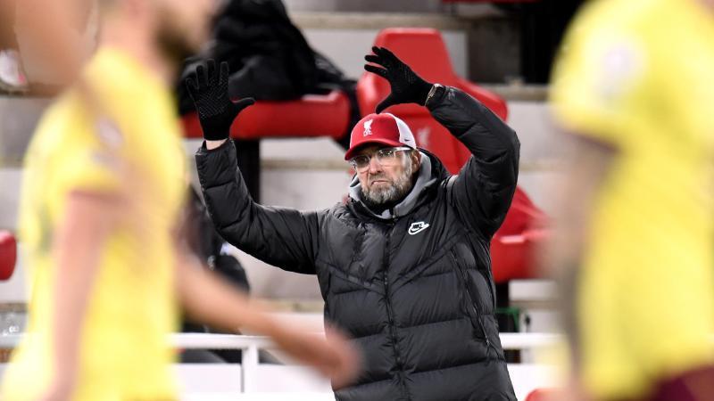 Liverpools Trainer Jürgen Klopp reagiert an der Seitenlinie verärgert. Foto: Peter Powell/PA Wire/dpa