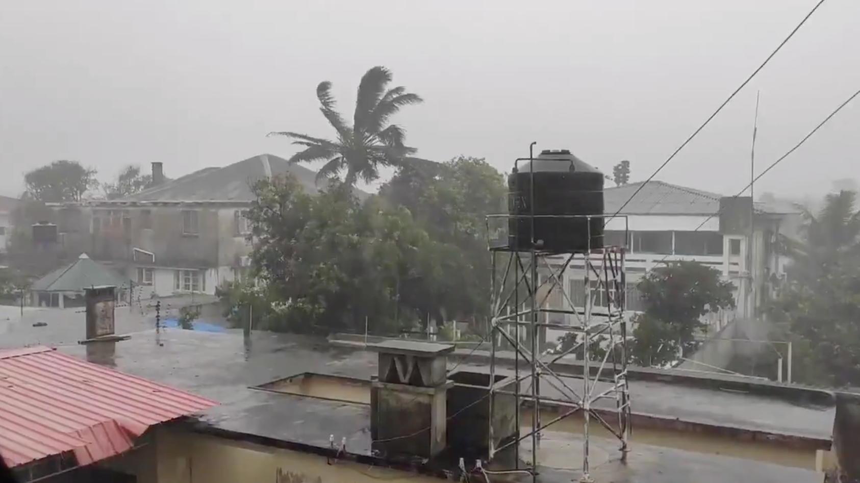 Zyklon ELOISE bringt heftige Regenfälle nach Mosambik. Wie vor zwei Jahren, als Sturm IDAI wütete, ist die Stadt Beira betroffen.