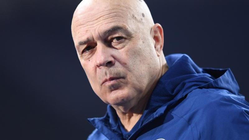 Schalkes Trainer Christian Gross. Foto: Annegret Hilse/Pool via REUTERS/dpa/Archivbild