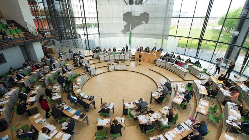 Eine Debatte im Sächsischen Landtag in Dresden. Foto: Sebastian Kahnert/dpa/Archivbild