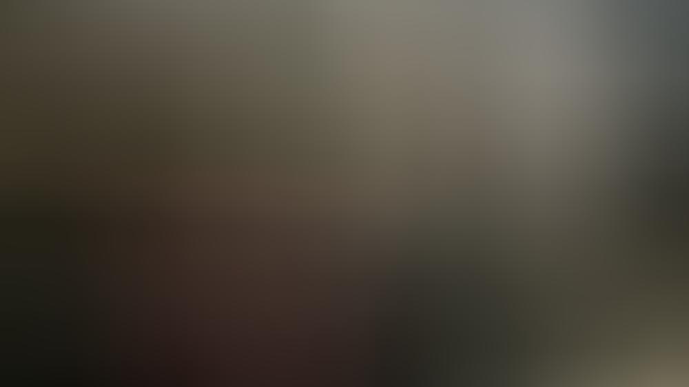 """David Hasselhoff mit dem legendären Sportwagen K.I.T.T. aus der Serie """"Knight Rider"""""""