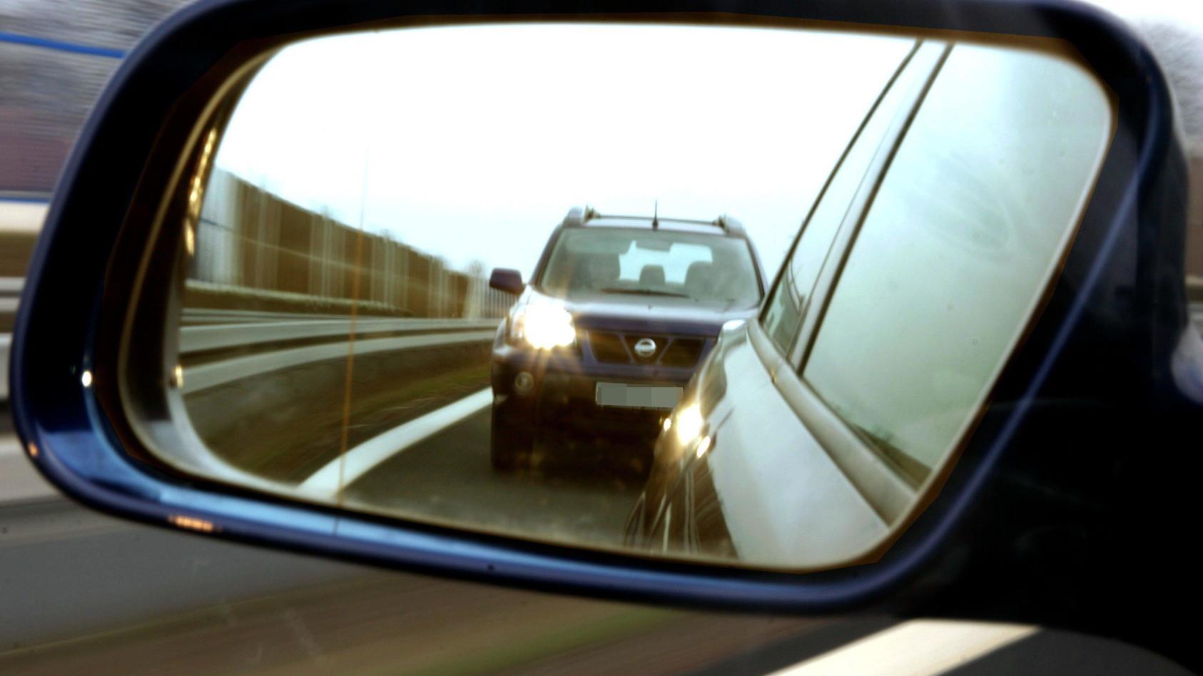 Symbolbild: Autobahndrängler
