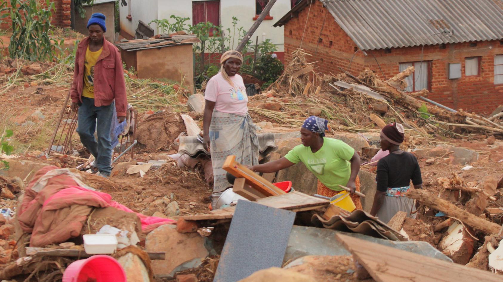 Die Schäden durch Wirbelsturm IDAI kurz vor der Erntezeit im März 2019 waren verheerend. Im Klima-Risiko-Index stehen Mozambik und Simbabwe auf den ersten beiden Plätzen.