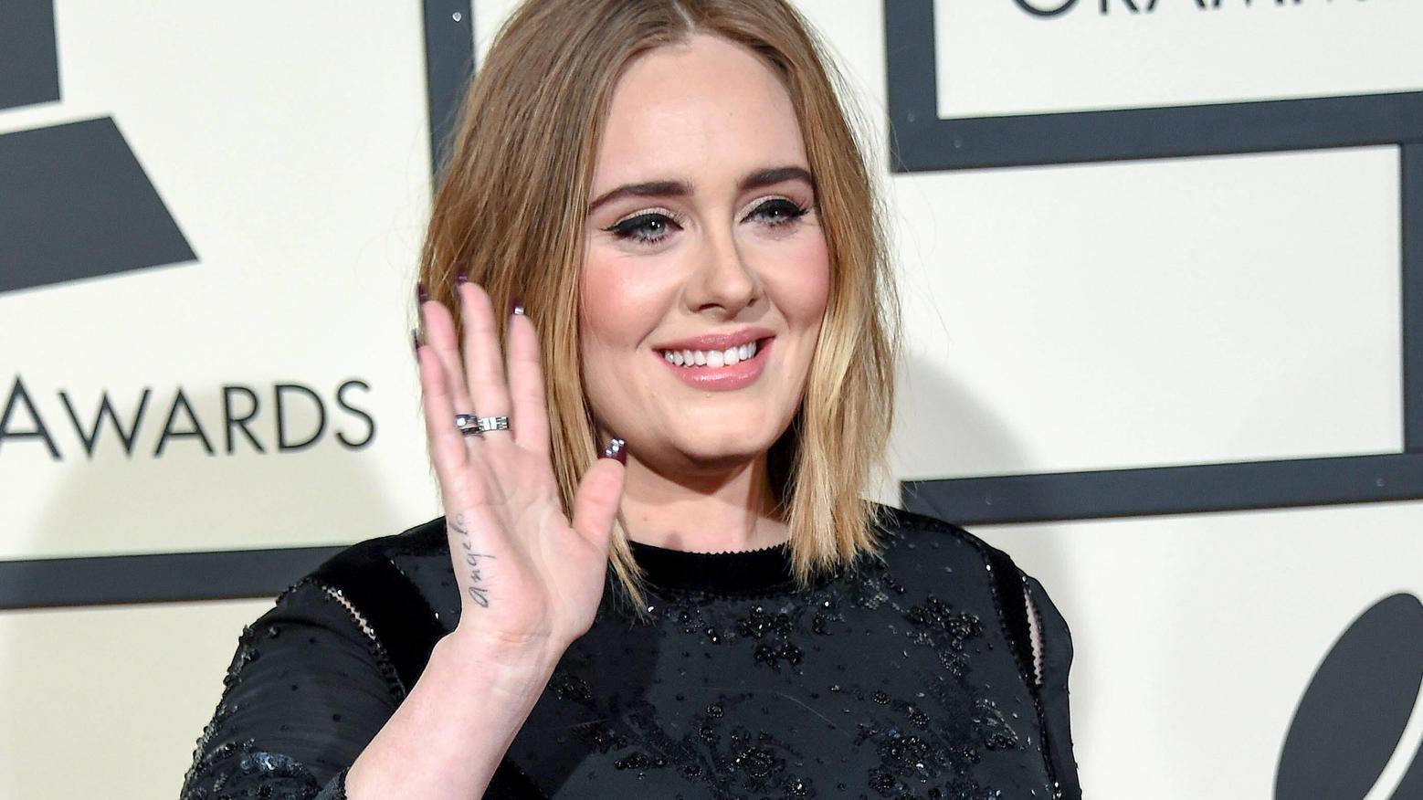 Mit mehr als 100 Millionen verkauften Tonträgern zählt Adele zu den erfolgreichsten Sängerinnen des 21. Jahrhunderts.