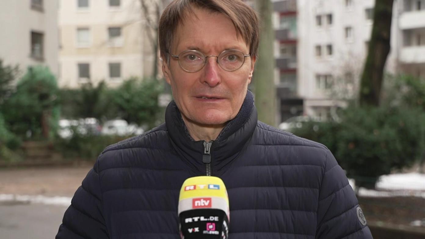 SPD-Politiker Karl Lauterbach fordert regelmäßige Antigentests in Betrieben.