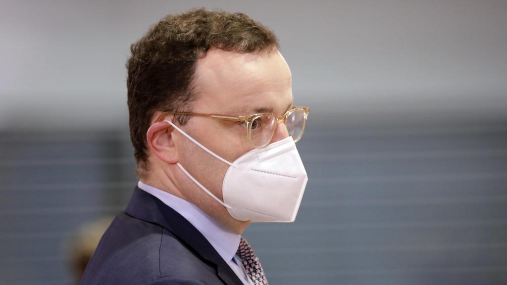 Zu wenig Impfstoff: Jens Spahn steht in der Kritik.