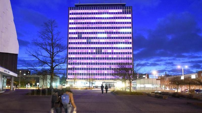 Das Hauptgebäude der Christian-Albrechts-Universität zu Kiel. Foto: Carsten Rehder/Archiv